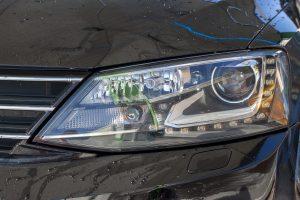 Volkswagen Jetta spalat cu ceara la self service
